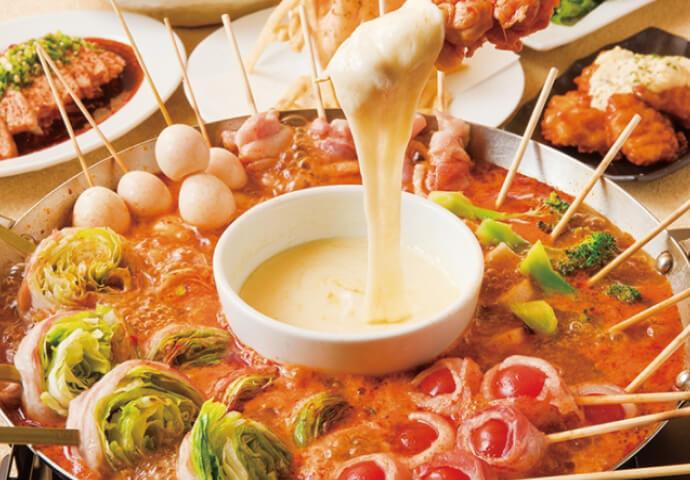 Hot pot course(990ペソ) ※4名様以上、2日前までに要予約  トマトベースのスープの鍋メニュー♡  野菜×とろとろチーズディップは最強! 選べる鍋コースは、女性にも大好評♡