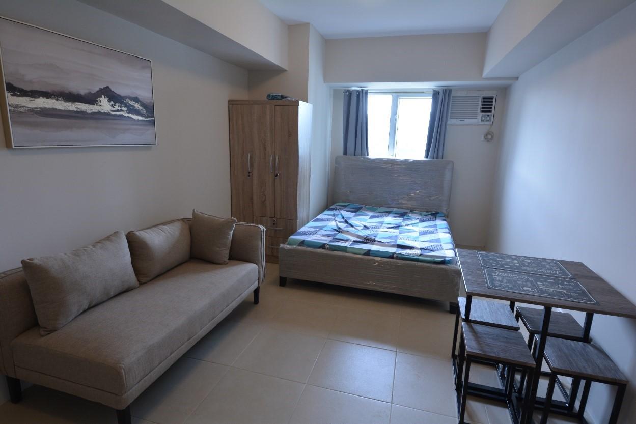 不動産投資に人気のスタジオタイプ(ワンルーム)のお部屋!最低限のシンプルな家具が備え付けてあり、自分好みにアレンジが出来ます♪