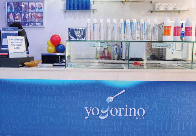 世界20カ国以上からお墨付きをもらう フローズンヨーグルトにイタリアンジェラート♡  特に、フローズンヨーグルトのカロリーは、アイスクリームの半分。 その上、材料もヨーグルトなので、美味しくて健康的♪  まさに、女性の味方!
