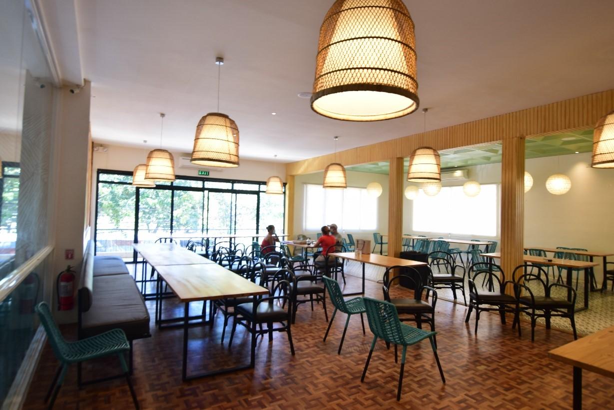 ラナ 2 ファンクション ルーム  House of Lechon の Don Jose Avilaブランチは、3つのファンクションルームがあります!ラナ1は20~25人、ラナ2は50~75人に対応しています。3つ目のイベントエリアは、屋外エリアサマーズエリアがあり、どの部屋も貸し切りが可能です。