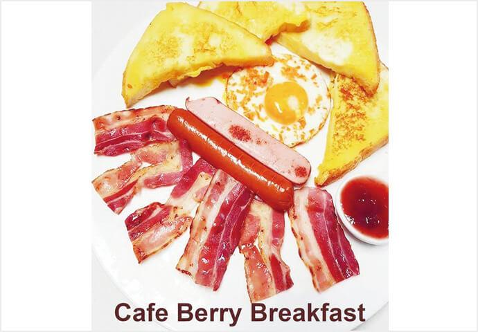 朝食にピッタリのプレートや、ランチ・ディナーに食べたい肉料理まで♪韓国のトッポギ料理や、フルーツたっぷりのパンケーキやワッフルも♡ Café Berryは朝8時から営業中!
