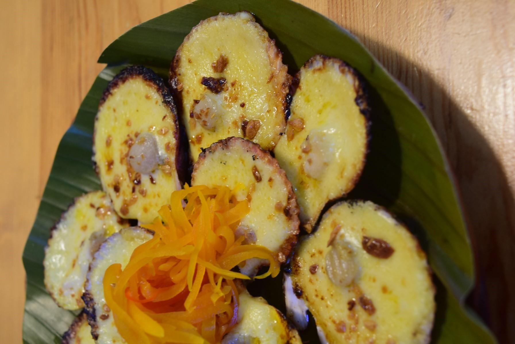 ホタテの丸焼き(P290)  セブになかなか行けないとなると、フィリピン料理が恋しくなります。 House of rechonはそんな代表的なフィリピン料理と、最高のレチョンが楽しめるので、セブに行った際は必ず訪れるリストに入ります!  またレチョンを自由に味わえる日を楽しみに、これからもセブのレストランの現状をご紹介していきます!!