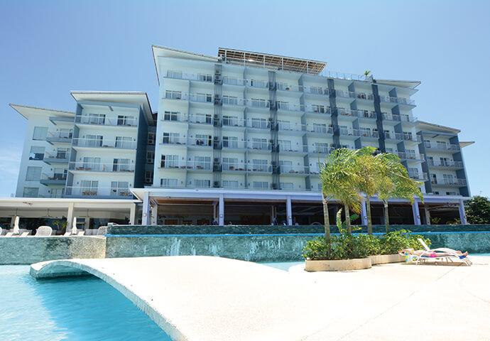 水上アスレチック・エア遊具満載のウォーターパーク&プールにマリンスポーツ、 エクササイズルーム、豪華レストラン!  至れり尽くせりなSolea MACTAN CEBU RESORTは、 家族連れに大好評のリゾートホテルです♡