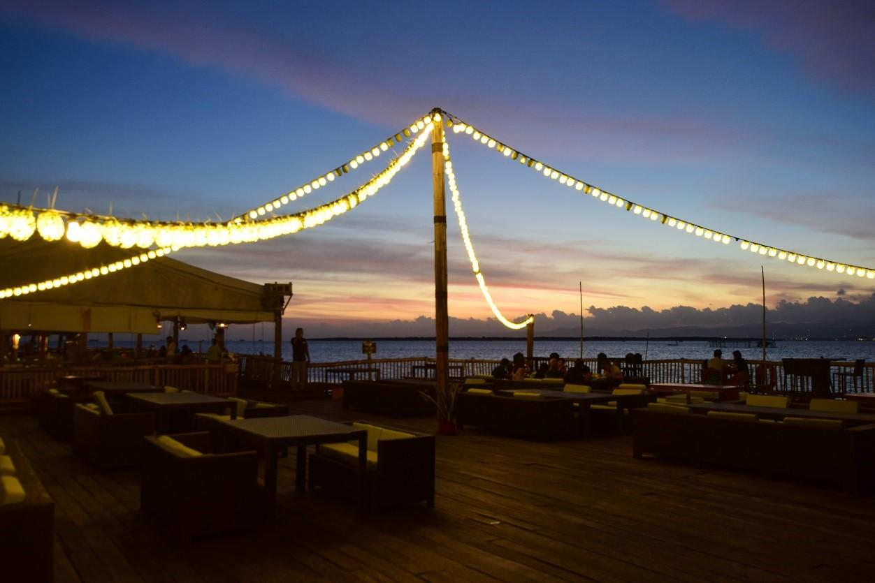 【2021年最新版】セブ島人気レストランの現在・ Lantaw Floating Native Restaurant