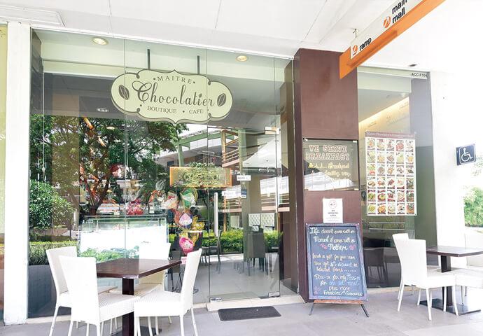 大型ショッピングモールAyala Center Cebuに出店している、 チョコレートが大好きすぎる人にピッタリのお店。  食事はもちろん、テイクアウトのメニューも充実! 特に、お花に見立てたチョコレートを綺麗にラッピングしたブーケは、 バレンタインデーにうってつけ♪  Wi-Fi完備なので、女子会や友達同士の集まりにも最適です。