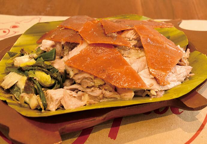 絶品レチョンと伝統料理を食べたい人にオススメ! RICO'S LECHONは、舌の肥えたセブアノたちをも唸らせてきた歴史あるレチョン専門店♪  一番の人気メニューは、 カリカリの皮とジューシーなお肉をたっぷり盛りつけたオリジナルレチョン♡ スパイシー味も選べます。  一緒にいただけるシシグやモンゴスープなどのフィリピン料理や 朝6時から受け付けているテイクアウトも人気の秘密!