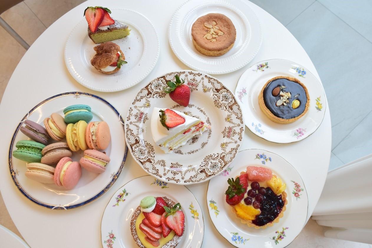 カフェに足を踏み入れると、素敵なデザートの甘い香りがあなたを迎えます♪ 心ゆくまで可愛いスイーツをお楽しみください。