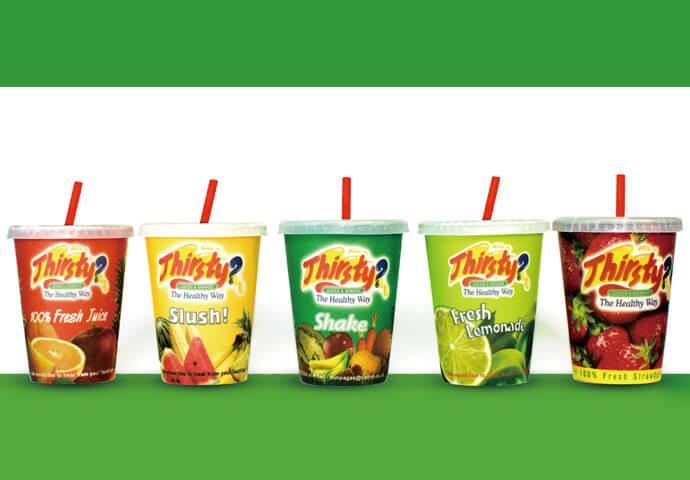 Fruit Juices(95ペソ(S)/105ペソ(Reg.)/129ペソ(L)) セブのフルーツをたっぷり使用したフレッシュジュースは、全て搾りたて♡ さらにリーズナブルに、52ペソから楽しめるフルーツシェイクもお試しあれ♪