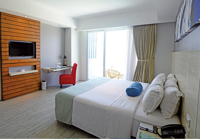 お部屋から、絶景を楽しもう♪  オーシャンビュー、ガーデンビュー、シティビュー。 見たい景色によって、泊まる部屋を選びましょう!