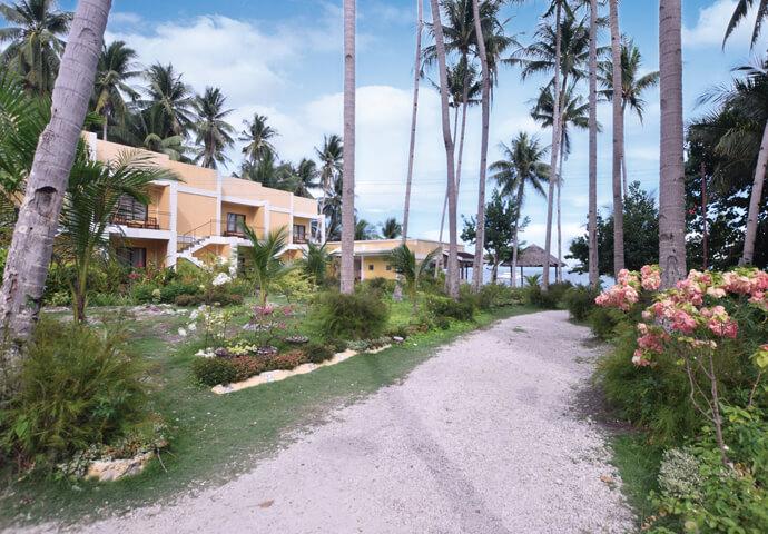 美しき自然に祝福された、小さな楽園へ Lubi Resort SANTANDER