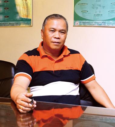 Mr. Kenneth Carredo
