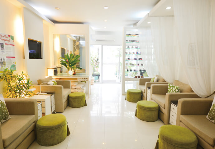 Nail Play & Beauty Lounge